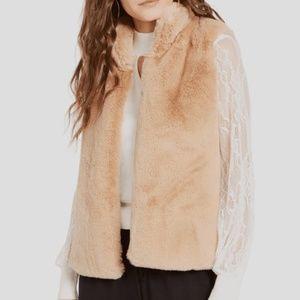 Thalia Sodi Faux-Fur Vest in Natural